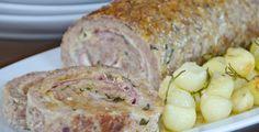 Il polpettone di carne è un secondo piatto gustoso e molto sostanzioso, preparato con un goloso ripieno di prosciutto cotto e scamorza.
