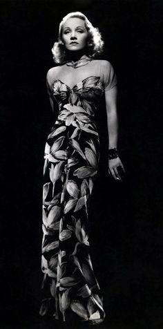 Marlene Dietrich, Long Sleeveless Dress  love it