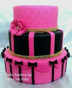 Bolo Fake, Birthday Cake, Desserts, Food, Ideas, Blinds, Tailgate Desserts, Fake Cake, Deserts