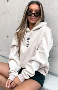 Stylish Hoodies, Comfy Hoodies, Cute Comfy Outfits, Trendy Outfits, Oversized Hoodie Outfit, Hoodie Outfit Casual, Loungewear, Aesthetic Clothes, White Fox