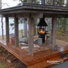 363 отметок «Нравится», 7 комментариев — Aleksey Konyushkevich (@plhdeluxe) в Instagram: «Небольшая отдельная веранда будет отличным дополнением любого проекта для дома у озера. 🔻 Здесь вы…» Outdoor Rooms, Outdoor Living, Outdoor Decor, Bbq Hut, Outdoor Pavilion, Tiny Cabins, Summer Kitchen, Park Hotel, Cabins In The Woods