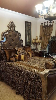 Leopard print bedding suits for you who want to make your bedroom looks fashionable. Bedding with leopard print requires the beauty of wild world. Just say good bye to your old fashioned bedding, time to replace it with the beautiful new one. Animal Print Bedroom, Leopard Print Bedding, Animal Print Decor, Animal Prints, Leopard Prints, Cheetah Print, Leopard Bedroom Decor, Mediterranean Home Decor, Tuscan Decorating