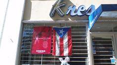 En la tienda kress en Santurce tienen la bandera de Puerto Rico mal colocada, también esta rompiendo las leyes de las banderas al ponerla sola y mirando hacia abajo.9:46