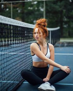 Beautiful Red Hair, Beautiful People, Red Headed League, Red Hair Woman, Red Hair Don't Care, Messy Bun Hairstyles, Strawberry Blonde Hair, Ginger Girls, Gorgeous Redhead