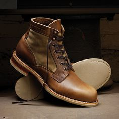 Waxed duck canvas panels and Horween Chromexcel® are paired in the Whitepine boot for the perfect blend of durability and design. Measuring six inches in height and hand crafted in America with a Goodyear Welt construction. A butyl-treated leather outsole features a rubber fore-part and heel for additional traction, along with a leather stacked heel.