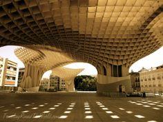 Metropol Parasol in Seville, Spain  #metropolparasol #sevillespain #spanisharchitecture #backpackingspain #sevilla #backpackingseville #architecture