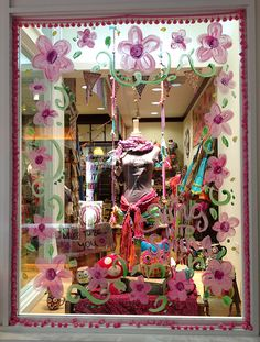 Natural Life fun window display - Swing into Spring. We love the use of the pastel colours for the spring season. Pale pinks, blues and yellows are always a winner! Spring Window Display, Shop Window Displays, Store Displays, Craft Font, Ac New Leaf, Store Windows, Retail Windows, Bath And Beyond Coupon, Shop Front Design