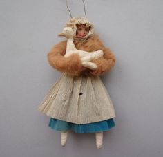ANTIQUE CREPE PAPER FIGURE - GIRL WITH A GOOSE CHRISTMAS ORNAMENT                                                                                                                                                                                 Mehr