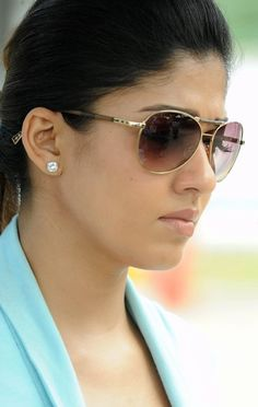 Nayantara Latest Face CloseUp Photos In Blue Dress Nayanthara In Saree, Nayanthara Hairstyle, Beautiful Girl Indian, Most Beautiful Indian Actress, Beautiful Actresses, Beautiful Women, Beauty Full Girl, Cute Beauty, Beauty Women