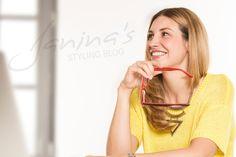 Für Lensbest setzt Janina nun schon seit über 2 Jahren Brillen professionell in…