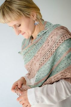 http://www.ravelry.com/patterns/library/aisling-6