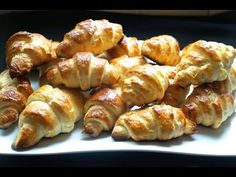 How to make homemade Croissant filled with homemade almond filling The ingredients 1 kg or 2 lbs of white flour 20 grams of salt 2 tbsp sugar 50 grams yeast . French Croissant, Butter Croissant, Almond Croissant, Croissant Recipe, Keto Recipes, Healthy Recipes, Healthy Food, Homemade Croissants, Puff Pastry Dough
