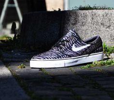 Nike SB Janoski Tiger Stripe–Black-White-Medium Olive