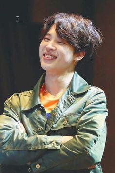 precious eyesmile i agree with kook that his eyesmile is my fav thing about this mochi as well Taehyung, Jungkook Jimin, Kim Namjoon, Bts Bangtan Boy, Seokjin, Bts Boys, Park Ji Min, Mochi, Jung Hoseok