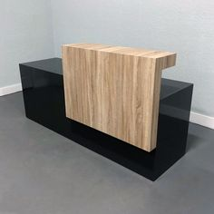 Los Angles Reception Desk in Custom Finishes – Modern Corporate Office Design Reception Desk Design, Reception Areas, Reception Desks, Grey Oak, White Oak, Unique Desks, Corporate Office Design, Counter Design, Best Desk
