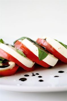 Classic caprese salad recipe with balsamic reduction