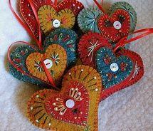 "holiday ""Heart Felt"" ornaments / FeltSewGood"