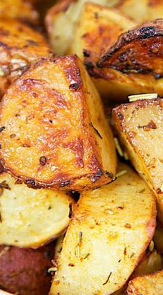Savory Roasted Red Potatoes - red potatoes tossed in oil, rosemary, Worcestershire, garlic, paprika and baked. Oven Recipes, Side Dish Recipes, Veggie Recipes, Great Recipes, Snack Recipes, Cooking Recipes, Favorite Recipes, Potato Recipes, Pasta Recipes