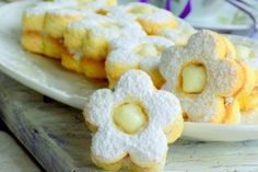 Najlon torta sa orasima i mljevenim keksom Czech Recipes, Croatian Recipes, Croatian Cuisine, Kolaci I Torte, Puff Pastry Recipes, Lava Cakes, Christmas Sweets, Pastry Cake, Culinary Arts