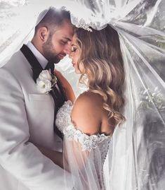 Duvaklı romantik düğün fotoğrafı pozu | Kadınca Fikir - Kadınca Fikir