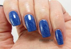 Blue Delicate Nails mit Via Airmail (ESSENCE, Ready For Boarding)