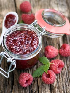 Easy Raspberry Jam: Easy Raspberry Jam Recipe – Marmiton by Chutney, Healthy Diet Recipes, Healthy Eating Tips, Delicious Recipes, Jam Recipes, Canning Recipes, Easy Canning, Chia Jam, Jalapeno Jam