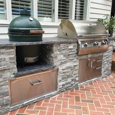 56 Best Outdoor Kitchen and Grill Ideas for Summer Backyard Barbeque Outdoor Grill Area, Outdoor Grill Station, Outdoor Kitchen Patio, Outdoor Kitchen Cabinets, Outdoor Kitchen Design, Outdoor Decor, Outdoor Kitchens, Out Door Kitchen Ideas, Big Green Egg Outdoor Kitchen