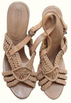 38e1d9364e7 Banana Republic Womens Sandals Shoes Heels Slip On Beige Crochet Size 7.5 M  gm