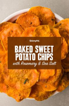 Want a low-fat alternative to store-bought snacks? Make these delicious baked sweet potato chips with rosemary and sea salt. They're so easy to make! Clean Eating Recipes, Clean Eating Snacks, Homemade Chips, Vegetable Recipes, Veggie Dishes, Side Dishes, Sweet Potato Chips, Snack Recipes, Oven Recipes