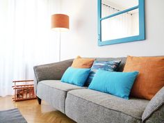 Sala Comum Sweet Home, Couch, Furniture, Madrid, Home Decor, Design Ideas, Cat, Settee, Decoration Home