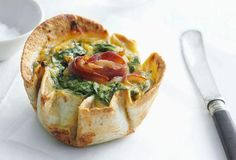 Individual Spinach & Ricotta Quiche Recipe- Made with Tortilla not Pastry Kiwi Recipes, Lunch Recipes, Breakfast Recipes, Vegetarian Recipes, Cooking Recipes, Cooking Ideas, Breakfast Ideas, Food Ideas, Carnation Milk Recipes