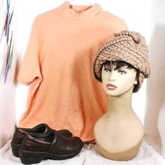 I added another picture of my own casual outfit with the Acorn hat in toasted almond: a light orange mock turtle neck top khaki Capri pants with cargo pockets and brown slip on shoes. Adds a nice a funky touch. http://ift.tt/1RFduLJ #crochet #crochetaddict #crochetlove #crocheting #crocheted #strawberrycouture #hat #womens #womenfashion #womenpower #women #etsy #etsyshop #etsyseller #etsylove #etsystore #vogue #voguemagazine #coiffure #vogueitalia #voguebrasil #strawberrycouture1970 #casual…