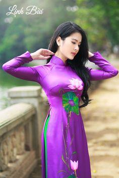Kiểu dáng: Áo dài truyền thống || Màu sắc: Tím || Chất liệu: Lụa cao cấp.