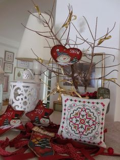 Flores no Jardim - Lee Albrecht: Natal 2013 - Free Pattern Cross Stitch