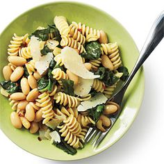 Weight Watchers Recipe: Rotini with White Beans and Escarole - 9 Points Plus per serving