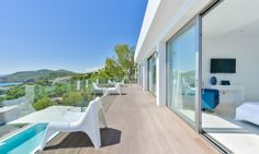 Moderne Villa mit Meerblick in Roca Llisa, Ibiza Moderne Villa mit Panorama-Meerblick in einer privilegierten Lage in der exklusiven Urbanisation Roca Llisa.  http://www.dostco-immobilien.de