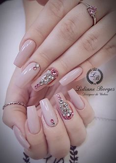 Jrassweiler unhas nude nails perfect nails e matte nails Dimond Nails, Gem Nails, Diva Nails, Nude Nails, Matte Nails, Soft Nails, Bridal Nail Art, Nail Designer, Gel Nails French