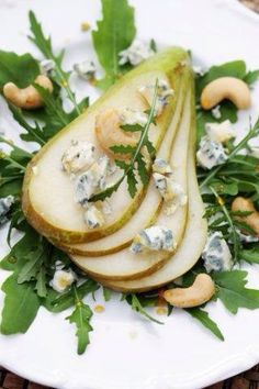 Pear Slices with Blue Cheese, Arugula and Cashews