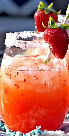 Strawberry Margarita Punch ~ a delicious and easy recipe that is perfect for a crowd! Easily made non alcoholic by omitting the tequila (Mexican Recipes For A Crowd) Party Drinks, Cocktail Drinks, Fun Drinks, Yummy Drinks, Cocktail Recipes, Yummy Food, Non Alcoholic Drinks For Cinco De Mayo, Easy Tequila Drinks, Mexican Alcoholic Drinks