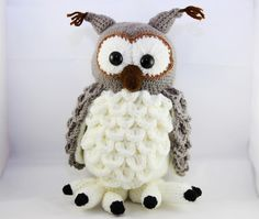 Häkelanleitung für die flauschige Schneeeule / diy knitting instruction for cute owl by Küma Tutorial Designs via DaWanda.com