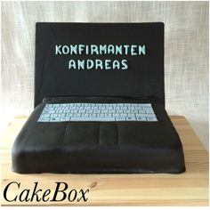 Konfirmasjon Floor Chair, Cake Decorating, Flooring, Home Decor, Decoration Home, Room Decor, Wood Flooring, Home Interior Design, Floor