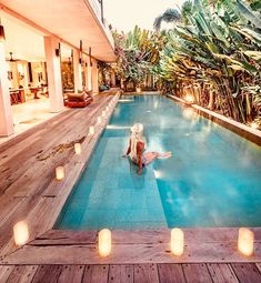 Are you looking for the best small pool ideas for your home? Are you trying to figure out how to design and build a pool for your backyard? Small Swimming Pools, Small Backyard Pools, Small Pools, Swimming Pools Backyard, Swimming Pool Designs, Pool Landscaping, Small Backyards, Modern Pool House, Pool House Decor