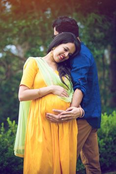 Eine Desi Babyparty In Aussieland - Top Baby Shower Pictures, Shower Pics, Shower Ideas, Maternity Photography Outdoors, Couple Photography Poses, Maternity Poses, Maternity Pictures, Couple Pregnancy Photoshoot, Indian Baby Showers
