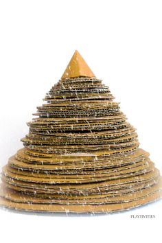 Build a cardboard Christmas Tree together with your kids. It's a fun to play with during holidays. Christmas Activities For Families, Christmas Games For Kids, Fun Activities For Kids, Christmas Ideas, Cardboard Tree, Cardboard Christmas Tree, Crafty Craft, Homemade Gifts, Parents