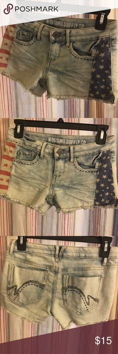 American flag Jean shorts size 0 Cute and festive red white and blue Jean shorts Shorts Jean Shorts