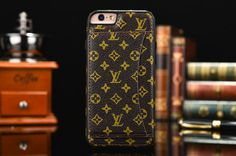 iPhone 6/6s/6Plus/7/7Plus Louis Vuitton Case With Card Slot Monogram