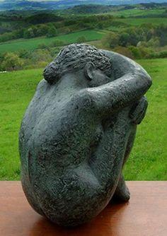 Karin Beek - female seated - head to knees wrapped in arms - PIN MIX Sculptures Céramiques, Art Sculpture, Stone Sculpture, Ceramic Figures, Ceramic Art, Ceramic Sculpture Figurative, 3d Fantasy, Art Poses, Human Art