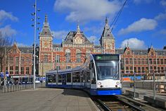 Centraal Station - Amsterdam (Netherlands) by Meteorry, via Flickr