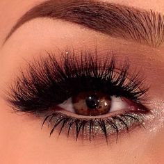 Beautiful look by the flawless MakeupByAnna of Dose of Colors using Makeup Geek's Insomnia pigment on the lower lash! Perfect everyday glam look!