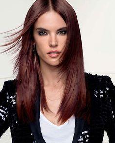 Diamo il benvenuto alla Super Model Brasiliana Alessandra Ambrosio nel nostro Glam Team L'Oréal Professionnel! Siamo orgogliosi di annunciare che presto sarà il volto di un nuovo servizio colore davvero speciale. Stay Tuned! #lorealpro #glamteam #stylemyhair #nellemanigiuste